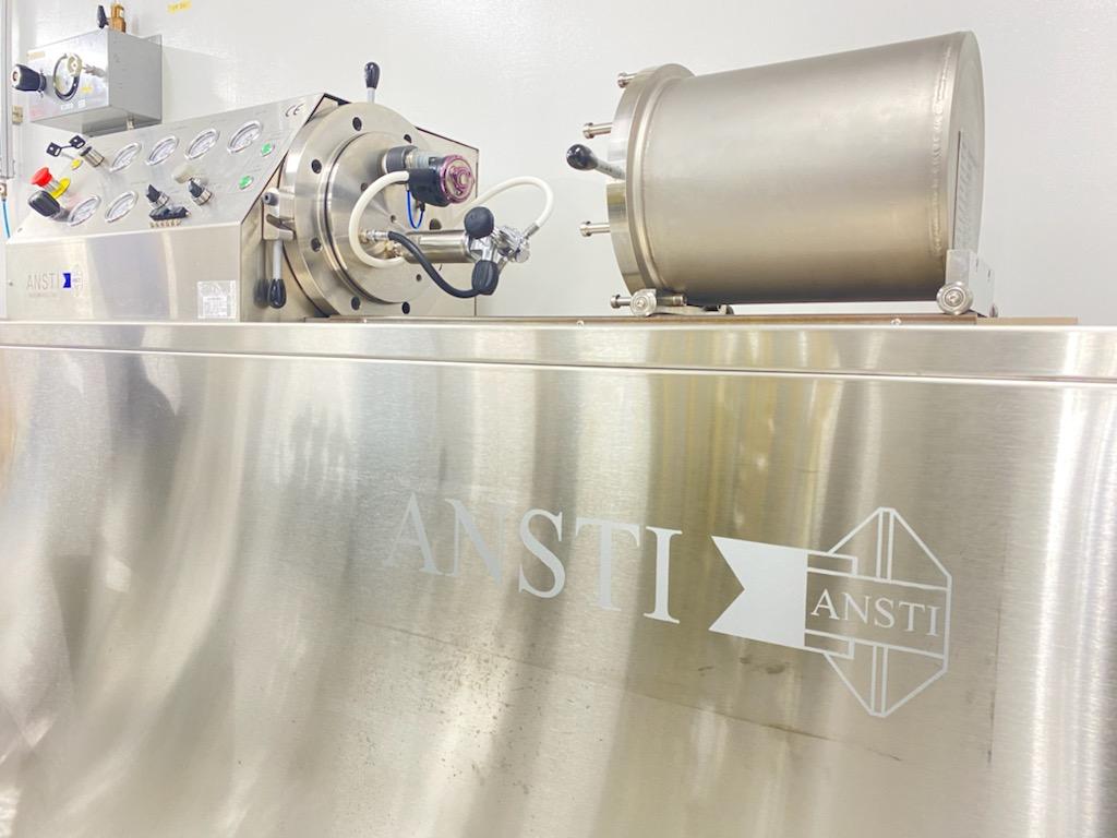 レギュレーターの性能を測るANSTIという機械