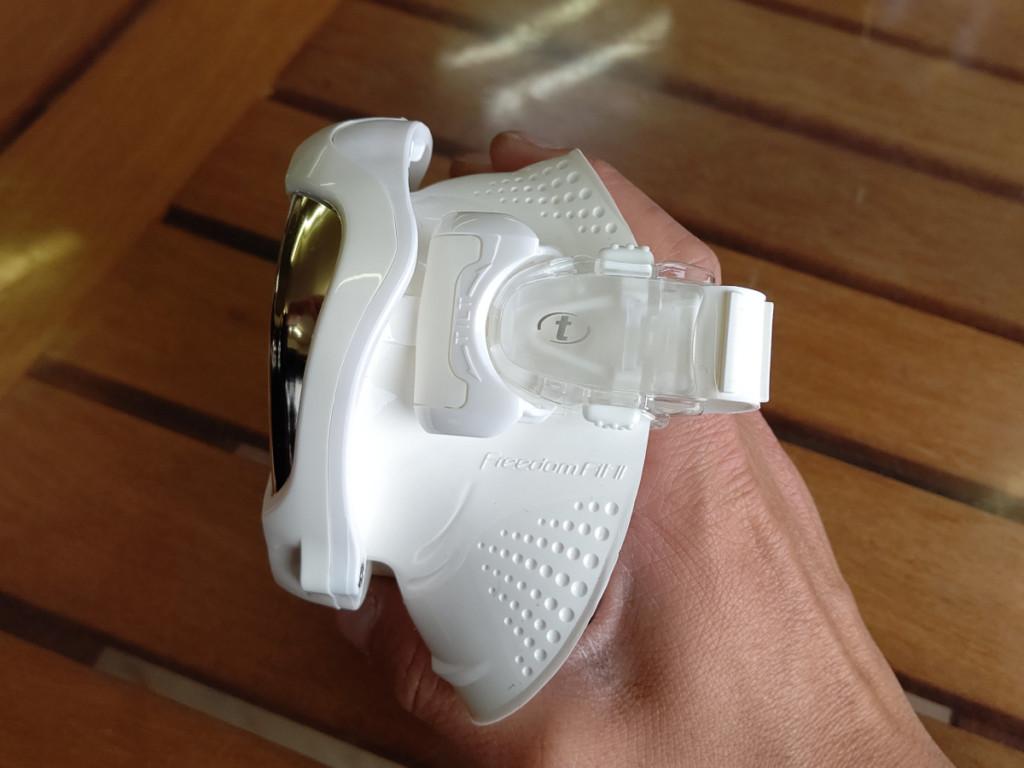TUSAのマスクは角度を5段階に調整できる