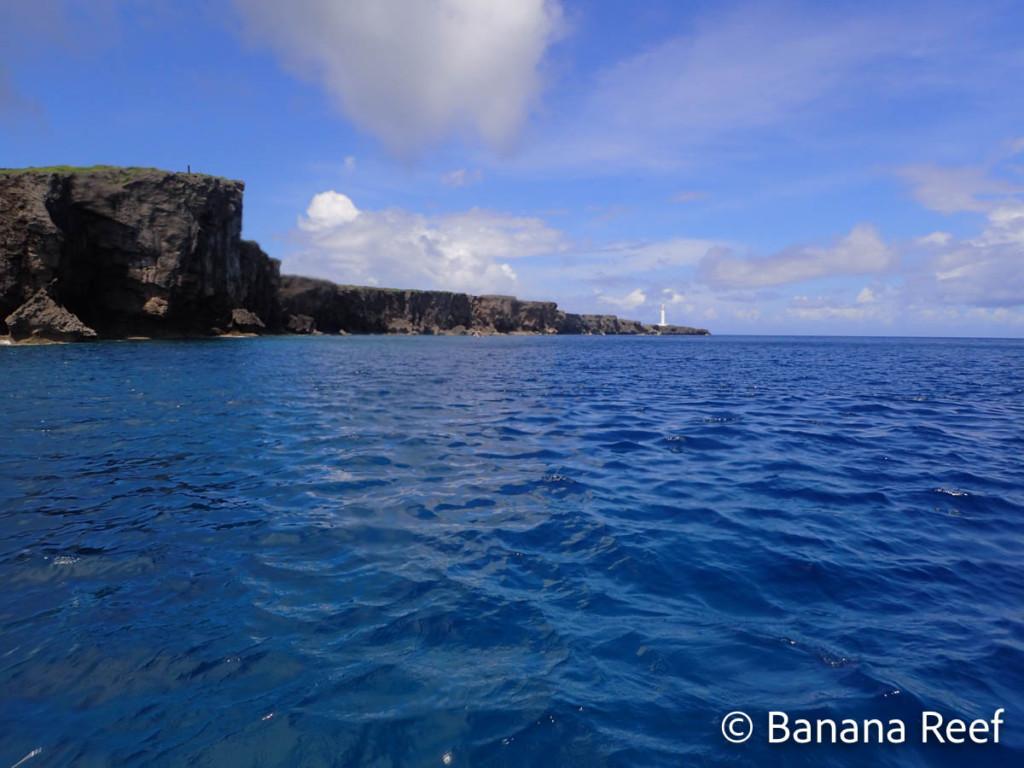 海から見た残波灯台